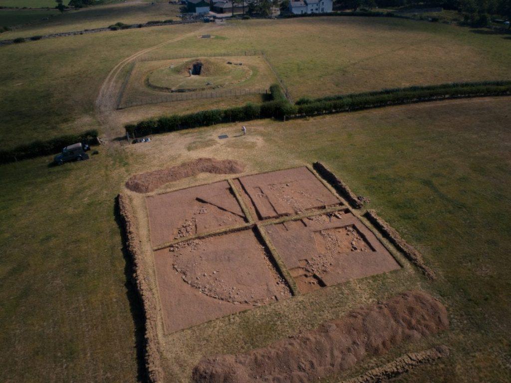 「ブリン・ケイシ・ジ遺跡の新発見」© Wales 247